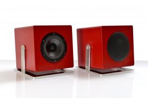 020-JK Acoustics Cube Control subwoofer - rood - met en zonder metaalgrille - witte achtergrond